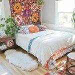 Votre chambre dans un style naturel et coloré