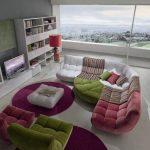 Canapé confortable coloré