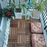 Balcon avec des dalles