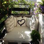 Balcon caché par les plantes
